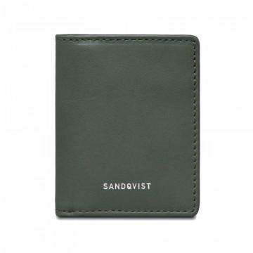 Titus - Lompakko:  Titus on yksinkertainen ja suoraviivainen päivittäiseen käyttöön tarkoitettu lompakko. Valmistettu huolellisesti...