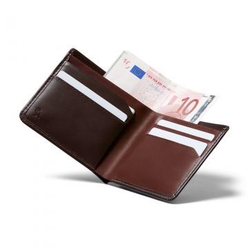 The Square - Lompakko:  TheSquare -lompakko on fiksu, yksinkertainen ja helppo käyttää. Moderni lompakko, joka silti tuntuu tutulta ja...