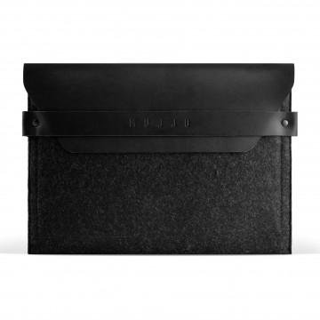 iPad Envelope - Suojakotelo:  Tämä huovasta ja parkitusta nahasta valmistettu kotelo suojaa iPadisi tyylikkäästi, jopa Smart Cover -kannen ollessa...