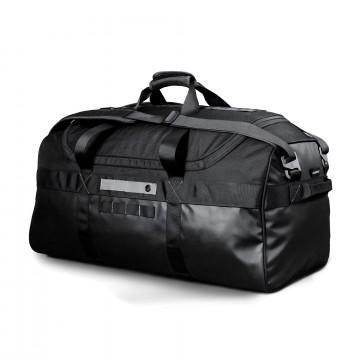 Monolith Duffle Bag - Laukku:  80 litran kapasiteetillaan Duffle Bag on Monolith-sarjan suurikokoisin laukku. Sivutaskuun piilotettavilla...