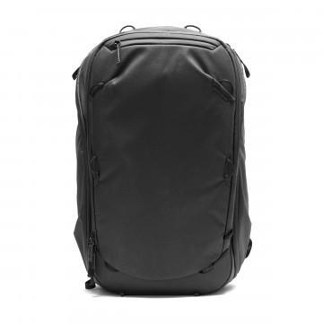 Travel Backpack 45 L - Reppu:  Yksikään reissu ei ole samanlainen, ja tämä käsimatkatavarakokoinen matkustusreppu ottaa tämän tosiasian huomioon....