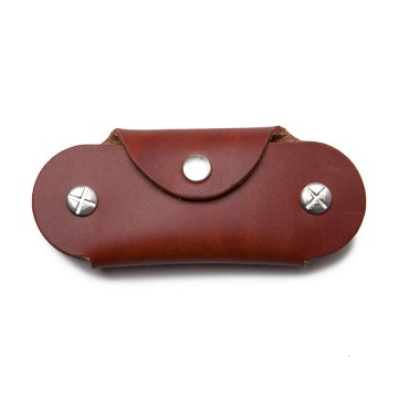 Key Case:  Storing your keys inside this Key Case prevents scratches in bags or trousers. Tighten the screws trough the stack...