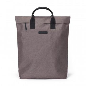 Till Bag - Laukku:  Till-laukku keskittyy olennaiseen ja auttaa valmistautumaan kaikkeen mitä päivä tuo tullessaan. Voit kantaa sitä...