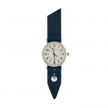 FFF × Timex Weekender 40 White:   Timex Weekender watch bundled with a custom Form•Function•Form leather strap    Clean lines and overall...