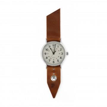 FFF × Timex Weekender 40 White - Rannekello:   Timex Weekender -rannekelloForm•Function•Form -nahkarannekkeella    Timex Weekender 40 mm -kellon puhtaat ja...