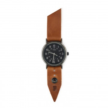 FFF × Timex Weekender 38 Night:   Timex Weekender Night 38 mm watch bundled with a custom Form•Function•Form leather strap    Clean lines and...