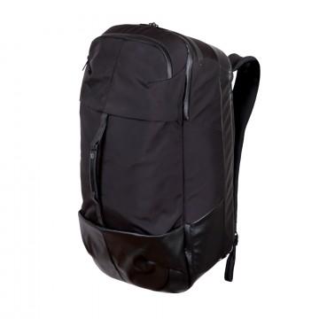 Carry On - Laukku:  Carry On -laukku on suunniteltu noudattamaan IATA:n suosittelemia lentokoneen käsimatkavaran mittarajoituksia. Tämä...