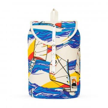 Sailor Pack - Reppu:  Sailor Pack on saanut inspiraationsa klassisesta purjehdusrepusta. Se on valmistettu puuvillakankaasta ja sopii...