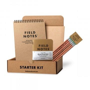 Starter Kit - Setti:  Valmiiksi pakattu Field Notes -starttipaketti. Sisältää 1× Steno, 1× Kraft Mixed 3-Pack, 1× Woodgrain Pencil...