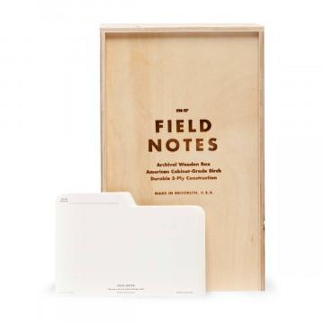Archival Wooden Box - Arkistoboksi:  Tällä arkistointiboksilla saat siististi säilytettyä laadukkaalla informaatiolla täytetyt Field Notes...