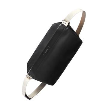 Sling Premium - Vyölaukku:   Premium-versio suositusta Sling-laukusta    Nahkapaneelit ja hieno sisävuoraus erottavat Premium-mallin...