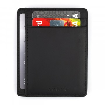 The Scout - Lompakko:  The Scout on ohut ja käytännöllinen lompakko, joka auttaa organisoimaan ja minimoimaan sisällöm. 3 taskua...