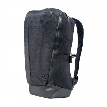 Minimalist Daypack:  While the Minimalist Daypack perfoms in the outdoors, it is as well at home next to the art gallery or a sculpture...