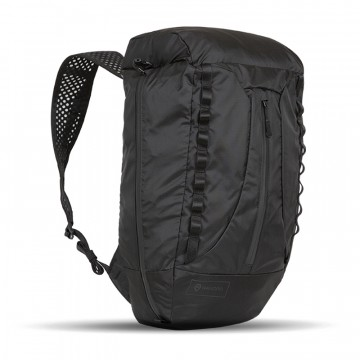 VEER Packable Bag - Reppu:  Kun VEER-reppu ei ole käytössä, se pakkautuu pieneen tilaan mukana tulevaan pussiin. Kun on aika ryhtyä hommiin,...