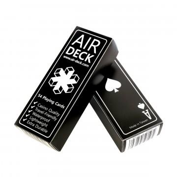 Air Deck 2.0 - Pelikortit:   Air Deck on täysi korttipakka, jonka koko on optimoitu mahdollisimman pieneksi. Pieni koko on erityisen hyödyllinen...