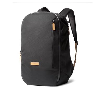 Transit Backpack - Reppu:  Transit-reppu on suunniteltu toimimaan niin työmatkalla, lomareissulla kuin liikematkallakin. Se on riittävän tilava...