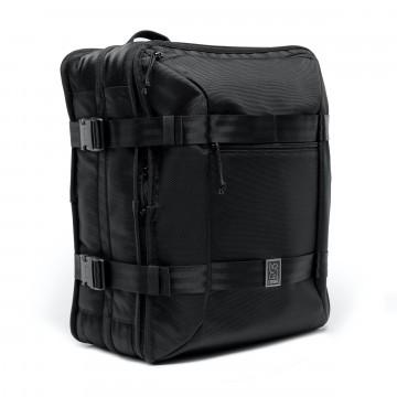 Macheto Travel Pack - Laukku:  Monipuolinen Macheto Travel Pack pitää vaatteesi yhdessä osiossa ja tekniset laitteet toisessa, jolloin kaikki pysyy...