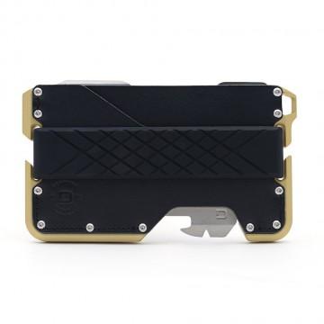 D007 Limited Edition - Lompakko:  D007-lompakko on koneistettu 6061-luokan alumiinista ja kullan värillä anodisoidun rungon pinta on samettinen. Käsin...