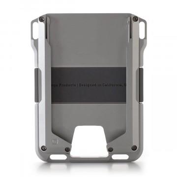 M1 Maverick Rail - Lompakko:  M1 Maverick Rail on uniikki, 6061-luokan alumiinista tarkasti koneistettu lompakko.   Lompakosta löytyy kaksi...