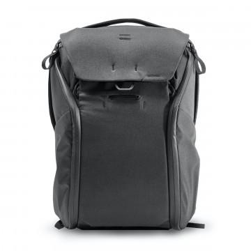 Everyday Backpack 20 L - Reppu:  Hiljattain päivitetty Everyday Backpack -reppu on rakennettu helppokäyttöisyyttä, organisointia, laajennettavuutta...