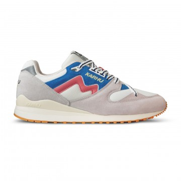 Synchron Classic Lunar Rock / Lantana:  Synchron-kengät esiteltiin alunperin vuonna 1980. Tutkimus- ja suunnittelutiimi halusi tarjota paremman istuvuuden...