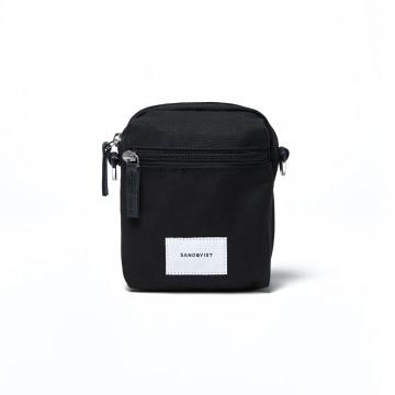 Sixten - Vyölaukku:  Sixten on käytännöllinen vyö-/olkalaukku, joka on Ground-sarjan muidenkin laukkujen tavoin valmistettu...