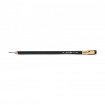 Matte 12-Pack - Blyertspenna:  Blackwing blyertspennor är perfekt för illustratörer och författare som föredrar en mjuk, mörk linje. Den japanska...