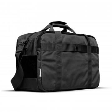 Gym/Work - Laukku:  Gym/Work -laukku on nimensä mukaisesti suunniteltu työssäkäyville ammattilaisille, jotka mahduttavat treenit...