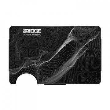 Topographic Plånbok:  The Ridge är en modern smal plånbok som håller ordning i din byxficka utan att behöva mycket plats. Huvudfacket är...
