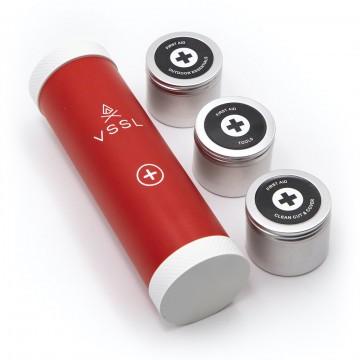 First Aid Mini - Ensiapukitti:  First Aid Mini sisältää tärkeimmät ensiaputarvikkeet, fiksusti organisoituna kompaktiin pakettiin jota voit pitää...
