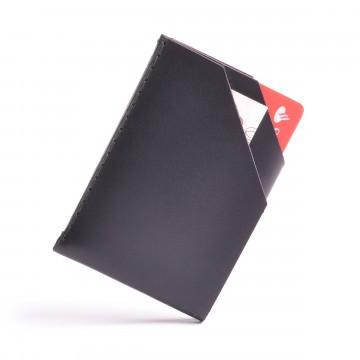 Card Holder - Lompakko:  Wingback Card Holder on suunniteltu pitämään 5 korttia (ajan myötä enemmänkin) ja useita seteleitä, säilyttäen...