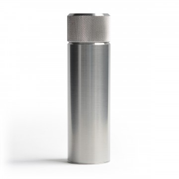 Hip Flask 100 ml - Taskumatti:  Perinteinen taskumatti on klassikko. Tavallisesti se on suorakulmion muotoinen pienellä nokalla, mutta Wingback...