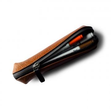 Fat Stick - Penaali:  Hardgraft hukkasi eräänä päivänä Apple-kynän. Suunnittelijoita kun ovat, tästä surasi 24 tunnin intensiivinen...