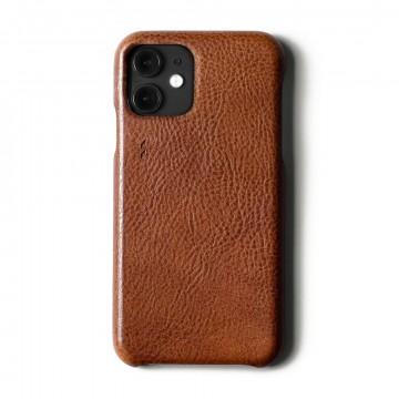 Rich Leather iPhone - Suojakansi:  Rich Leather iPhone -suojakotelo on käsintehty Italiassa, päällystetty premiumluokan kasvisparkitulla nahalla ja...