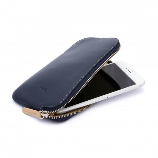 Phone Pocket Plus - Lompakko:  Phone Pocket Plus on lompakko, jossa voit pitää kaikki päivittäin käyttämäsi asiat yhdessä laadukkaassa paketissa....