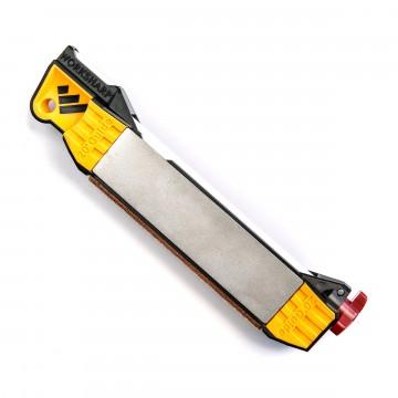 Guided Field Sharpener - Teroitustyökalu:  Guided Field Sharpener on kuin kotonaan repussa, työkalupakissa, hanskalokerossa, veneessä - missä tahansa...
