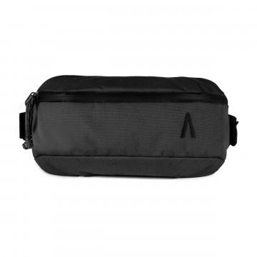 Rennen Recycled Sling - Laukku:  Rennen Sling -laukku on tehty kevyihin reissuihin ja hengailuun tärkeimmät tavarat mukana ja organisoituna....