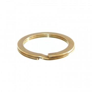 Flat Split Ring - Avainrengas:  Korkealaatuinen kiinteästä messingistä valmistettu avainrengas, joka on tehty Japanissa tasaista tankoa vääntämällä....