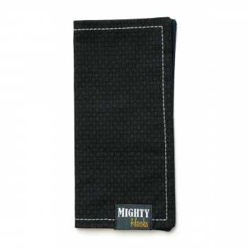 Mighty Mini 007:  The frontside of Mighty Mini 007 features grey 0-pattern on a classy black background. Dark blue microfiber on the...
