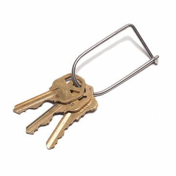 Wilson Titanium Keyring:  The Wilson is a simple and efficient keyring, where the inherent strength of the wire creates a secure closure....