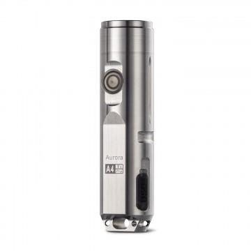 Aurora A4 Pro - Taskulamppu:  Aurora A4 Pro Titanium on päivitetty malli Aurora A4x -taskulampusta. USB-kansi on nyt helpompi avata ja pitää...