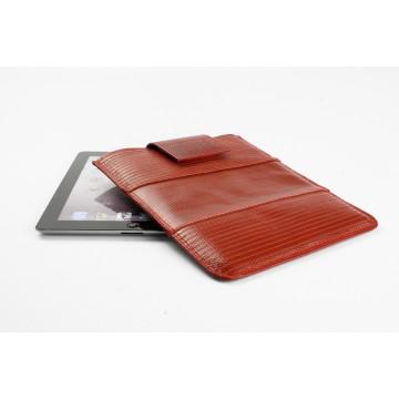 iPad - Suojakotelo:  Elvis & Kressen iPad suojakotelon ulkokuori on valmistettu aktiivikäytössä olleesta paloletkusta, joka kestää...