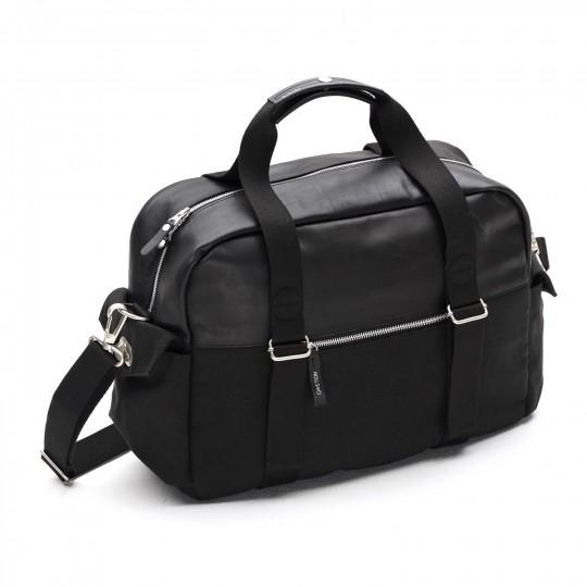 Overnighter Leather - Laukku:  Overnighter Leather on mainio laukku parin päivän reissulle, jolloin tarvitset läppärin ja muuta tavaraa hieman...