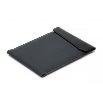 Laptop Sleeve Extra - Suojakotelo:  Sulavalinjainen Laptop Sleeve -kotelo suojaa kannettavaasi ja mahdollistaa työskentelyn missä tahansa....