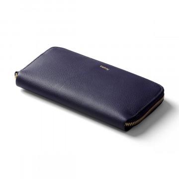 Folio - Lompakko:  Folio on täysikokoinen lompakko, johon mahtuu myös normaalikokoinen puhelin. 3 vuoden takuu, valmistettu...