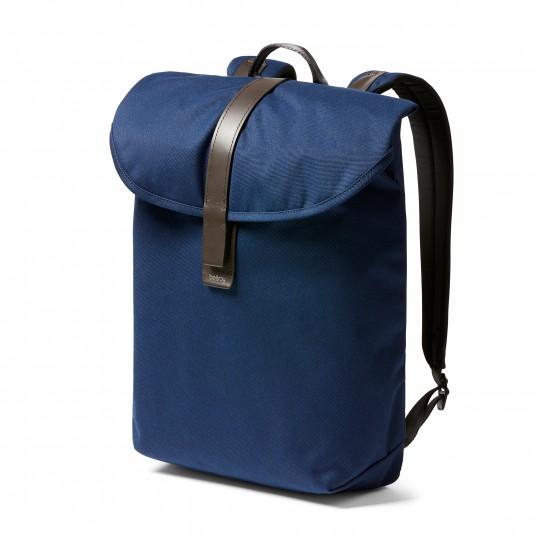 Slim Backpack - Reppu:  Fiksuun ja virtaviivaiseen Slim Backpack -reppuun menee kaikki päivittäiset tarvikkeet, ilman mitään turhaa....