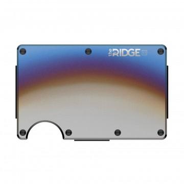 Titanium - Lompakko:  Ridge on moderni, ohut etutaskuun mahtuva lompakko joka pitää sisällön ojennuksessa ilman turhuuksia. Korttipaikka...