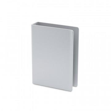 Classic Clip - Pelikorttikotelo:  Tarkkuustyöstetty Classic Clip -pelikorttikotelo lisää korttiesi käyttöikää kuukausilla. Suunniteltu 52 kortin...