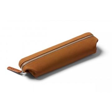 Pencil Case Leather - Penaali:  Pencil Case Leather -penaali on nahkainen suojakotelo kynille, johdoille ja muille pientavaroille. Ei enää...