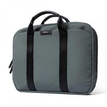 Laptop Brief - Laukku:  Laptop Brief -laukulla kannat tavaroita fiksusti ja pidät homman kevyenä, helppona ja ammattimaisena. Pehmustettu...